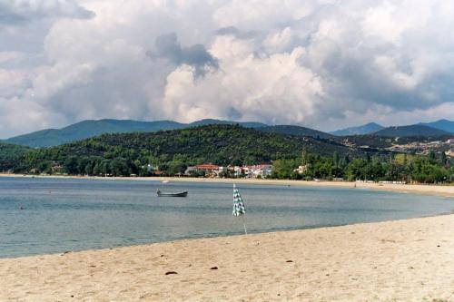 Es gibt viel Strand in Toroni.