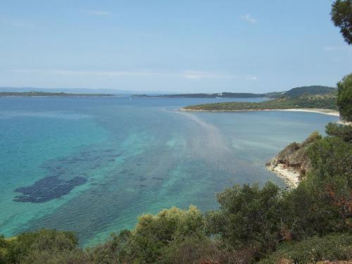 Und noch ein Strand an der Nordküste von Sithonia auf Chalkidiki.