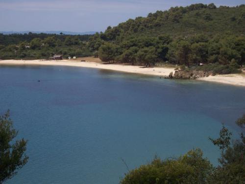 Einsamer Strand (mitte Juni) auf Sithonia.