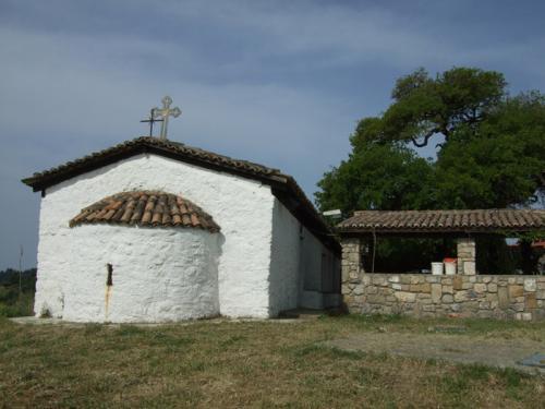 Alte Kirche am Rande von Paliouri.