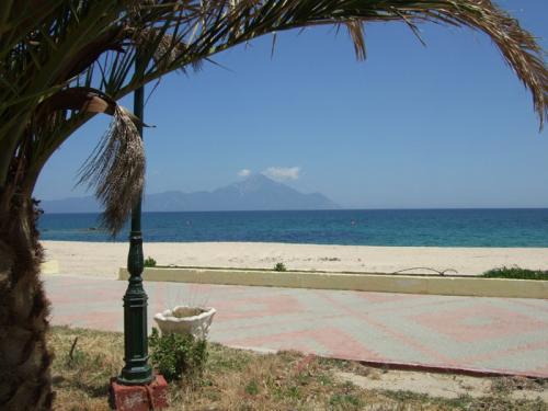 Der Strand Sarti - Aufgenommen von der Strandpromenade aus.