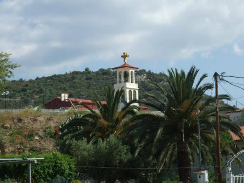 Der Kirchturm von Toroni.