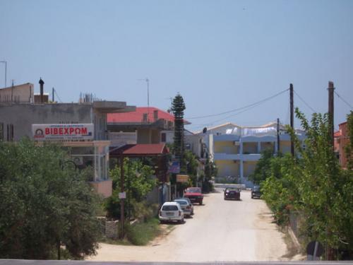 Der Ort Kanali von der Schnellstraße aus, welche Preveza und Igoumenitsa verbindet