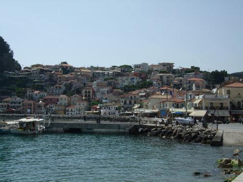 Die Hafenmole - Aufgenommen vom südlichen Rand des Hafens