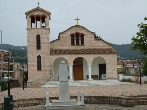 Kirche im Zentrum von Sivota