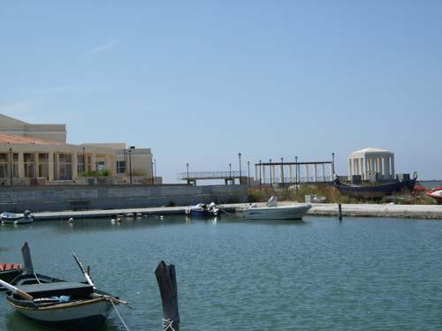 Am kleinen Fischerhafen von Lefkas