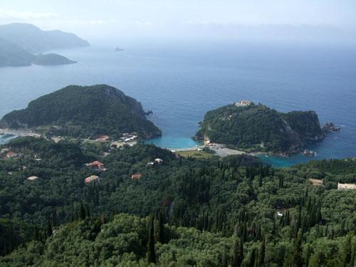 Blick auf Paleokastritsa (Korfu)
