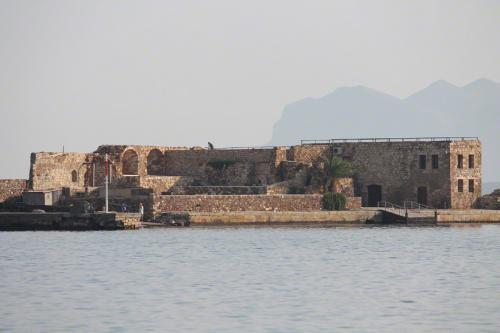 Ein Teil der Festungsanlagen des venezianischen Hafens von Chania.