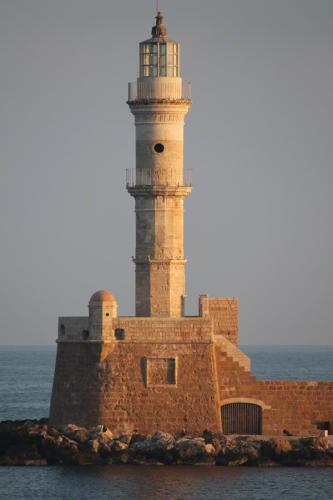 Der Hafenturm, das Wahrzeichen von Chania.