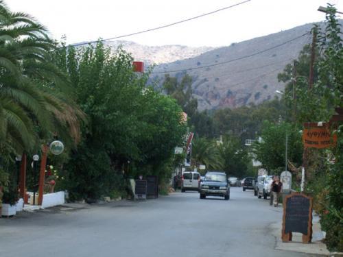 Eine der ins Landesinnere führenden Straßen von Georgioupolis.