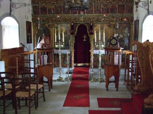 Frei zugängliche Kapelle eines Klosters einer der Dörfer inmitten der Lassithi-Hochebene.
