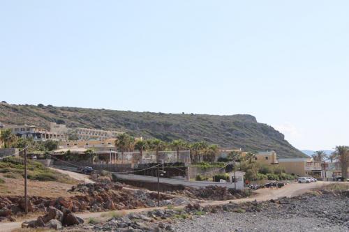 Das außerhalb des Dorfes gelegene Minos Imperial Hotel.
