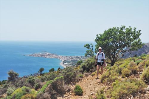 Wanderweg oberhalb dieser kretischen Kleinstadt