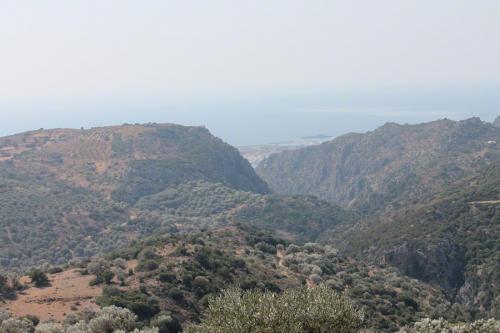 Blick vom Bergpfad zwischen Kazogiris und Anidri bis runter nach Paleochora.