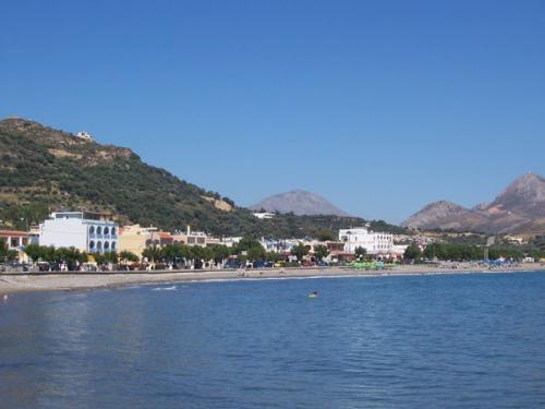 Ansicht von Plakias, einem der beliebtesten kleinen Orte der Südküste von Kreta.