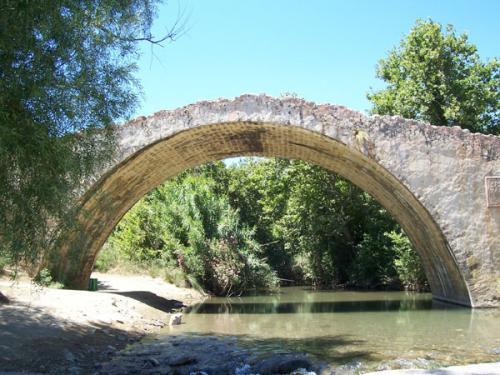 Steinbogenbrücke bei Kato Preveli.