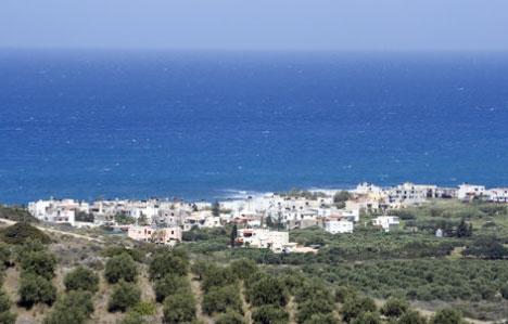 Überblick über Milatos von der kleinen Landstraße aus