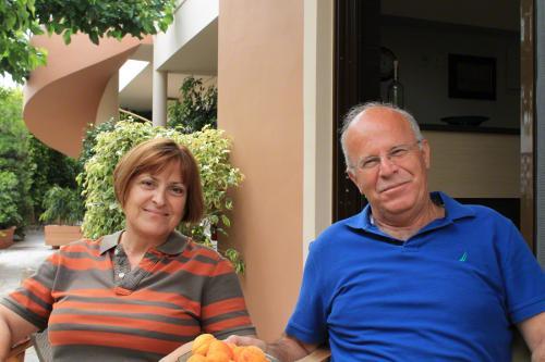 Anna und Manolis, das sehr gastfreundliche Besitzerehepaar des Lito.
