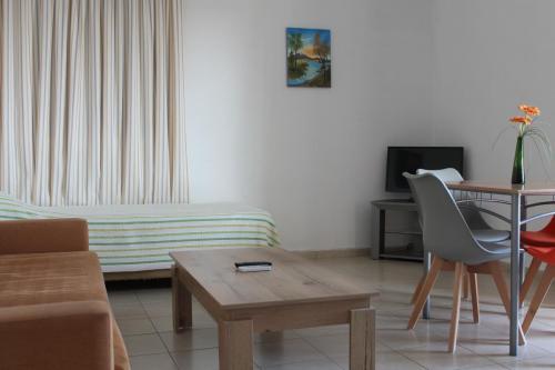 2-Zimmer-Apartment: Wohnzimmer