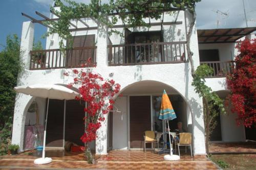 Maisonetten-Wohnungen in Korfos