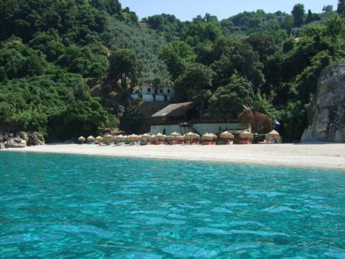 Der westlich neben Horefto gelegene Strand von Agia Saranda ist für den feinen Sand und das stets klare Wasser bekannt.