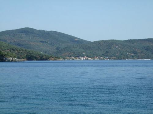 Blick auf die komplette Bucht von Milina im Südwesten des Pilion.