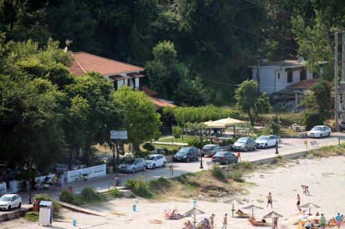 Blick auf die Uferpromenade.
