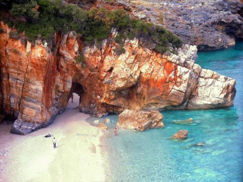 Ostküste Pilion: Badestrand von Milopotamos.