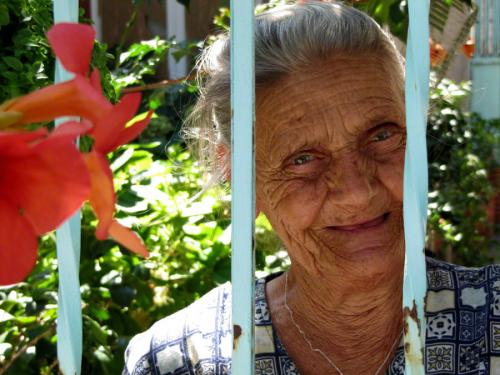 Alte Frau in Trikeri