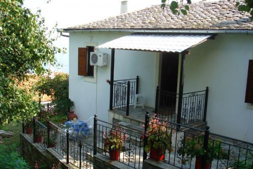 Außenansicht des Ferienhauses Filitsa bei Damouchari