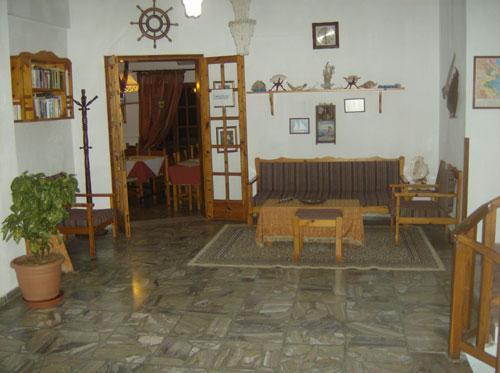 Die Lobby dieses Familienhotels auf dem Pilion