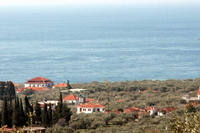 Das große Haus links im Bild ist das Hotel Rodia.